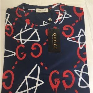 fb41ee068a8 Gucci Shirts - Gucci Graffiti stars T-shirt XL